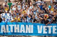 Aficionados del Málaga piden la dimisión de Al Thani.