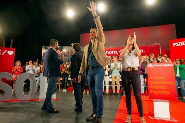 El presidente del Gobierno en funciones, Pedro Sánchez, durante un...