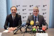 El nuevo presidente del Gremio de Hoteles de Barcelona, Jordi Mestre, junto al director general, Manel Casals