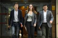 Íñigo Errejon y dos parlamentarios de Más Madrid, ayer, en la Asamblea.
