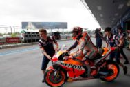 Buriram (Thailand).- Spanish MotoGP rider <HIT>Marc</HIT> <HIT>Marquez</HIT> of Repsol Honda Team rides his bike while leaving the pitlane during the free practice one of the Motorcycling Grand Prix of Thailand at Chang International Circuit, Buriram province, Thailand, 04 October 2019. (Motociclismo, Ciclismo, Tailandia) EPA/