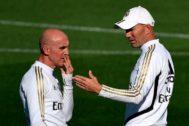 David Bettoni y Zidane, durante el entrenamiento.