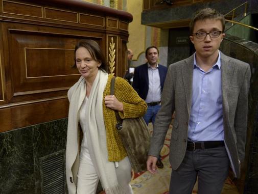 Carolina Bescansa e Íñigo Errejón, en el Congreso en noviembre de...
