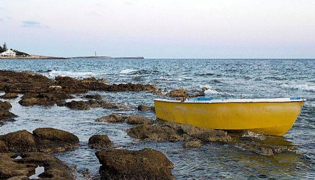 Patera encontrada esta semana en la zona de Binibeca, Menorca.