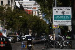 Panel informativo de acceso a Madrid Central.