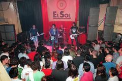 Los Enemigos, en una actuación en la Sala Sol en 1986.