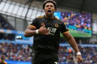 Adama Traoré celebra el primer gol del Wolverhampton.