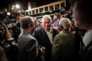 <HIT>Lisboa</HIT> (Portugal).- Portuguese Prime Minister and general secretary of the Socialist Party (PS) Antonio Costa (C) arrives at a hotel in Lisbon where he will follow the election results in Lisbon, Portugal, 06 October 2019. More than 10.8 million registered voters were called to the polls to elect the 230 deputies for the next legislature. (Elecciones, <HIT>Lisboa</HIT>) EPA/