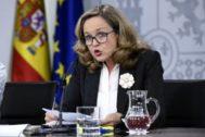 La ministra de Economía en funciones, Nadia Calviño, en la rueda de prensa posterior al consejo de ministros del pasado viernes.