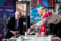 """La amiga americana de Boris Johnson no desmiente la relación sexual: """"No es asunto de nadie"""""""
