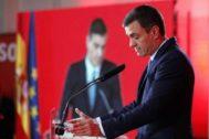 El presidente en funciones del Gobierno, Pedro Sánchez, en la presentación del programa electoral del PSOE para las Elecciones Generales.