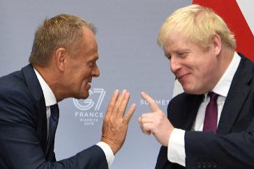 """Tusk pierde la paciencia con Johnson: """"Esto no es un estúpido juego de culpas"""""""