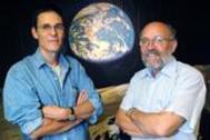 Michel Mayor (derecha) y Didier Queloz (L), en una imagen de archivo.