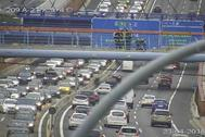 Tramo de la A-2 con tráfico congestionado