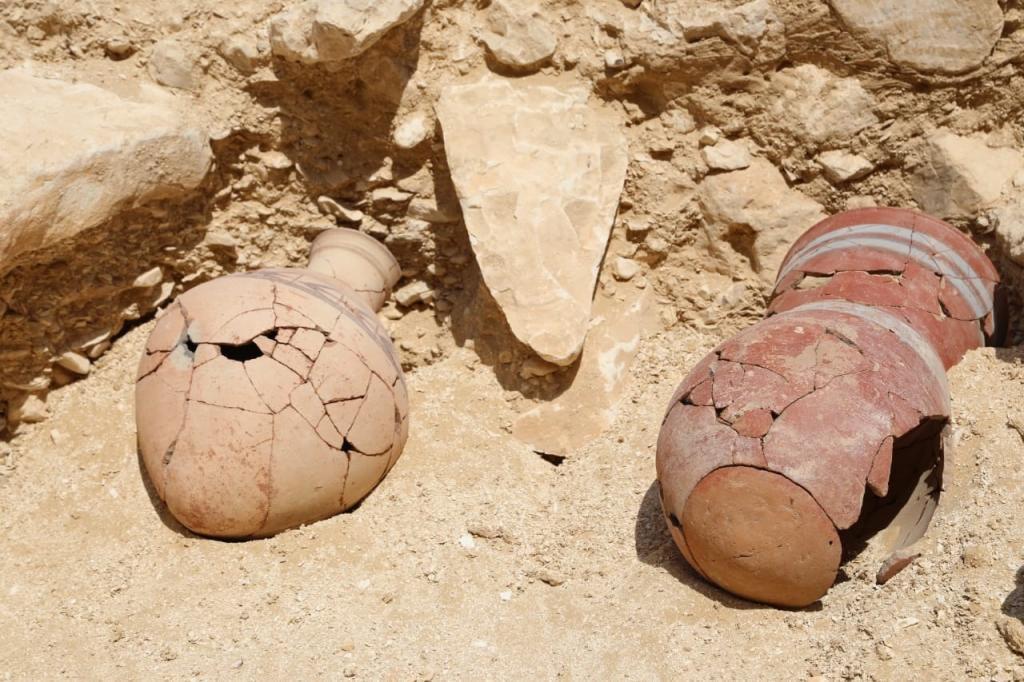 Descripción: Hallazgo en El Valle de los Monos (Luxor). Antiguo...