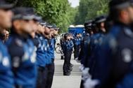 Agentes de la Policía Municipal durante el desfile del mes de junio