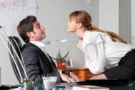 Sexo en el trabajo: donde tengas la olla... ¡no metas la pata!