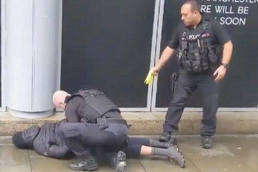 La Policía investiga como terrorismo el ataque a cuchilladas en un centro comercial