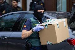 Agentes de la Guardia Civil, durante la operación contra los CDR desarrollada el pasado septiembre.