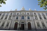 Fachada del Tribunal Supremo en Madrid.