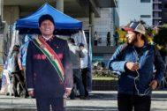 Una figura de Evo Morales en una calle de La Paz.