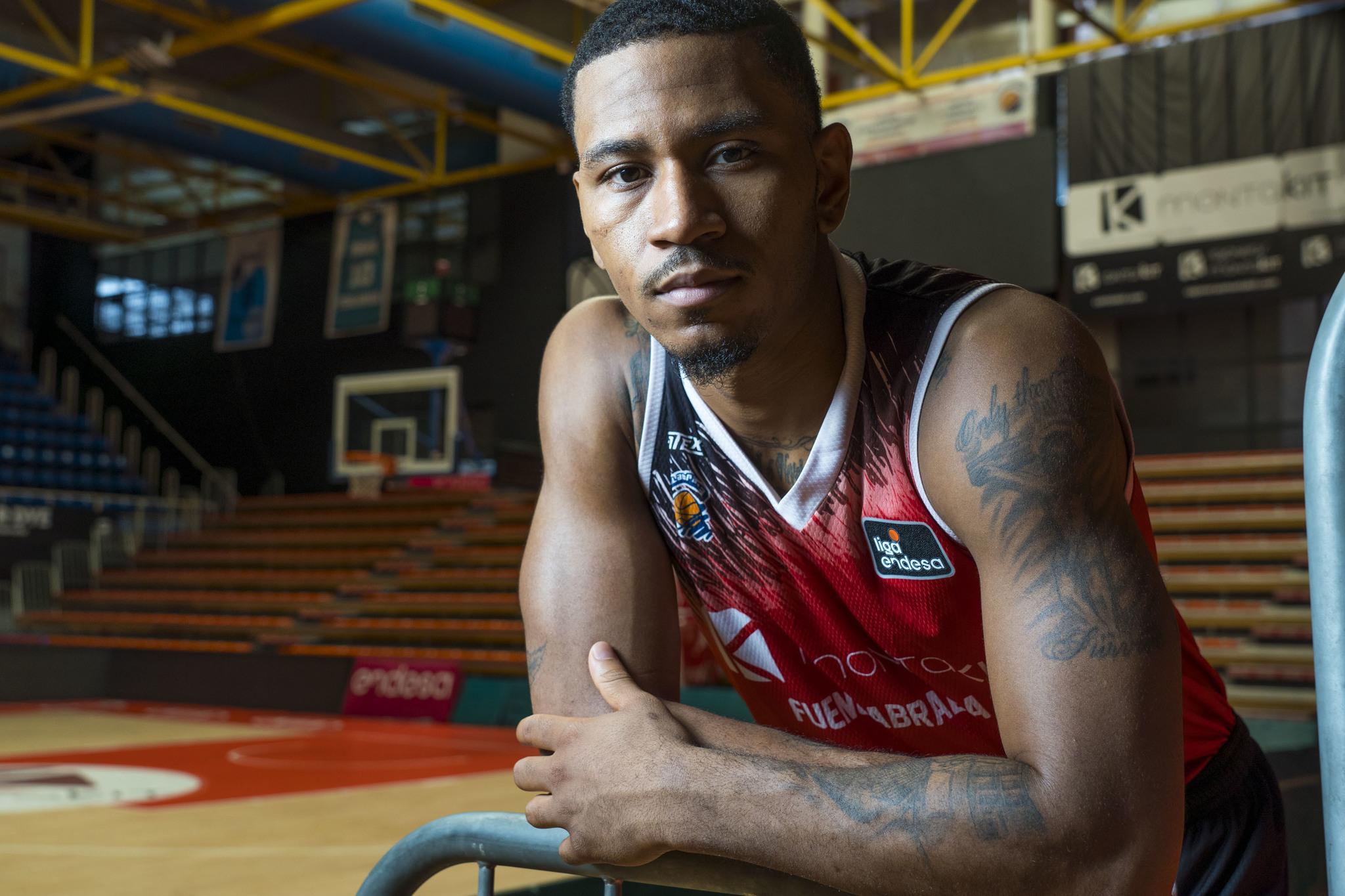 Angel Navarrete 09/10/2019 Fuenlabrada, Comunidad de Madrid Deportes El jugador de baloncesto americano <HIT>Karvel</HIT> Anderson, presta sus servicios en Fuenlabrada