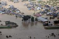 Imagen aérea que muestra inundaciones en Nagano, prefectura de Nagano, Japón.