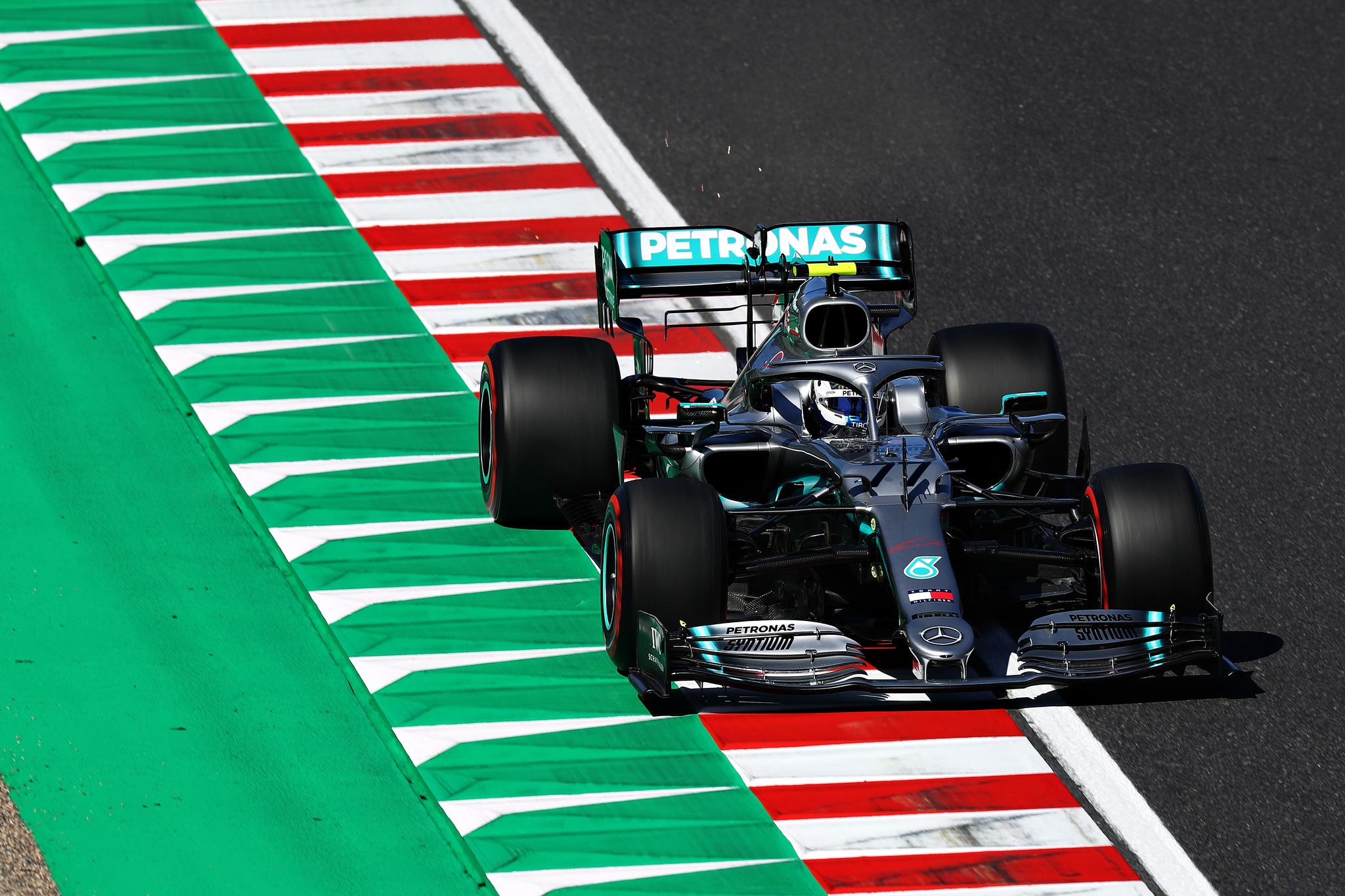 Bottas hace su trabajo en Suzuka para el sexto título de Mercedes