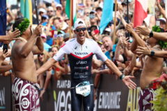 """Jan Frodeno corona un Ironman de récord: """"Tengo las piernas rotas"""""""