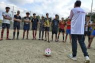 Entrenamiento del equipo de fútbol formado por inmigrantes adolescentes de Rubí, el pasado miércoles por la tarde.