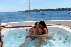 La pareja, este verano en el jacuzzi del yate en el que pasaron las vacaciones.