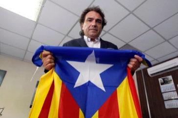 Santiago Espot, con la 'estelada'.