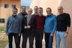 Imagen de los siete presos del 1-O recluidos en la cárcel de Lledoners tomada en noviembre de 2018. De izquierda a derecha, Jordi Sànchez, Oriol Junqueras, Jordi Turull, Joaquim Forn, Jordi Cuixart, Josep Rull y Raül Romeva.