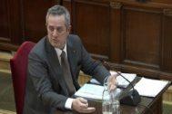 El ex 'conseller' de Interior, Joaquim Forn, durante su declaración en el Tribunal Supremo durante el juicio del 1-O.