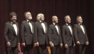 Jorge Maronna (segundo por la derecha)  junto al resto de integrantes de la actual alineación de la banda argentina.