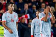 Rodri, Ramos y Busquets, en el partido ante Noruega.