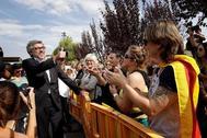 El abogado Jordi Pina sale de la prisión de Lledoners tras comunicar a sus defendidos la sentencia.