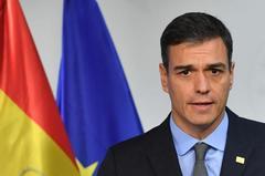 Sánchez se compromete a subir las pensiones un 0,9% y un 2% el sueldo de los funcionarios