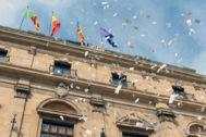 La irrupción de las BAF en la azotea del Ayuntamiento fue la víspera del 1-O en 2017.