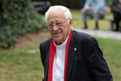 El padre Ángel, fundador de Mensajeros de la Paz.