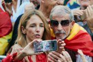 Cayetana Álvarez de Toledo, en la manifestación del 12 de octubre en Barcelona.