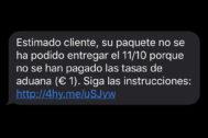 Este es el mensaje SMS que ha circulado desde ayer haciéndose pasar por Correos.