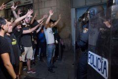 Revolución y cerveza fresca: así fue la respuesta en las calles