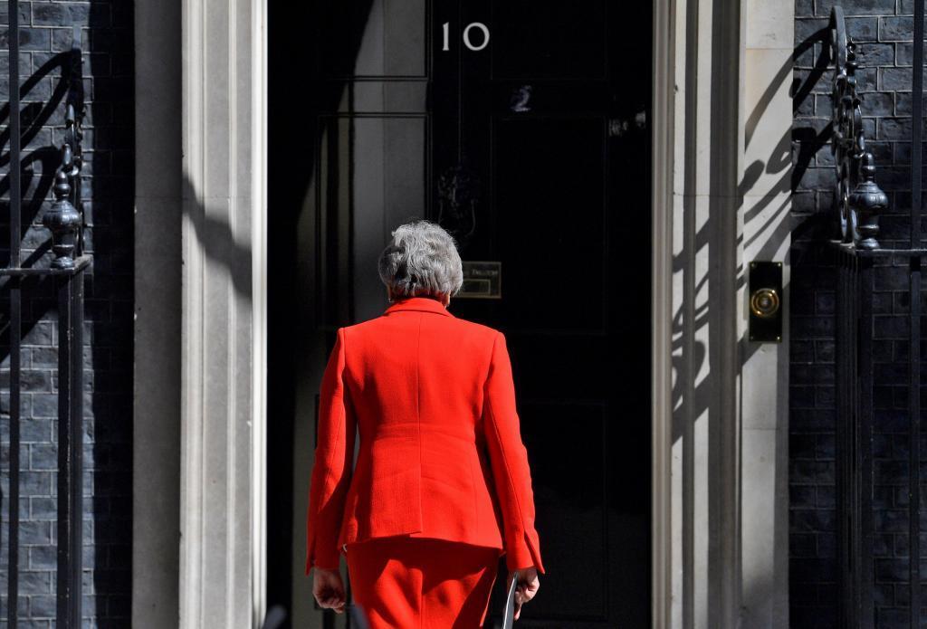 Theresa May dimite como primera ministra.