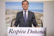 El presidente de la Junta, Juanma Moreno, este martes en Doñana.
