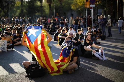 Manifestantes protestan tras conocer la sentencia del 'procés', este...