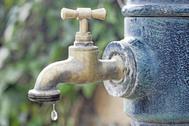 Detectan agua del grifo contaminada con químicos en California