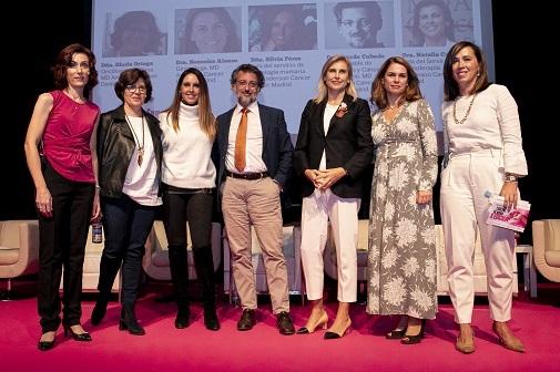De izquierda a derecha, las doctoras Isabel Calvo, Gloria Ortega y Silvia Pérez; el doctor Ricardo Cubedo y las doctoras Natalia Carballo, Sonsoles Alonso y Anabel Ballesteros. Foto: Cruz Campa