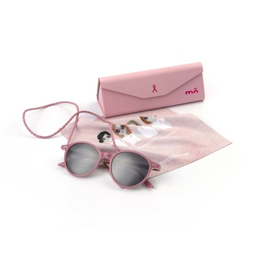 Pack de edición limitada con estuche, gamuza, gafas de sol y cordón en tono rosa (39 euros), de Mó Multiópticas. Lo recaudado con la venta irá destinado íntegramente al Grupo Español de Investigación en Cáncer de Mama.