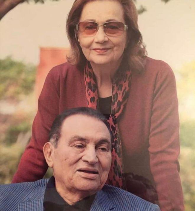 Mubarak y Suzanne, en una imagen de archivo.